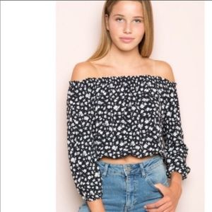 BRANDY MELVILLE OFF THE SHOULDER FLORAL TOP